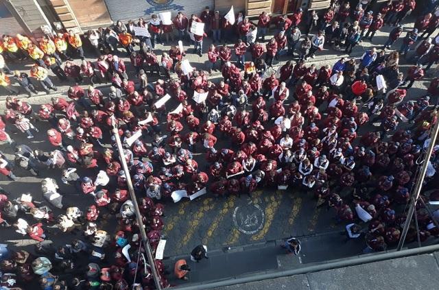 Marcha respalda a líder sindical y al Ayuntamiento de Puebla