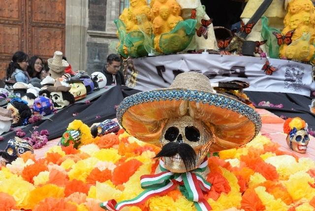 UNAM dedica megaofrenda a Emiliano Zapata