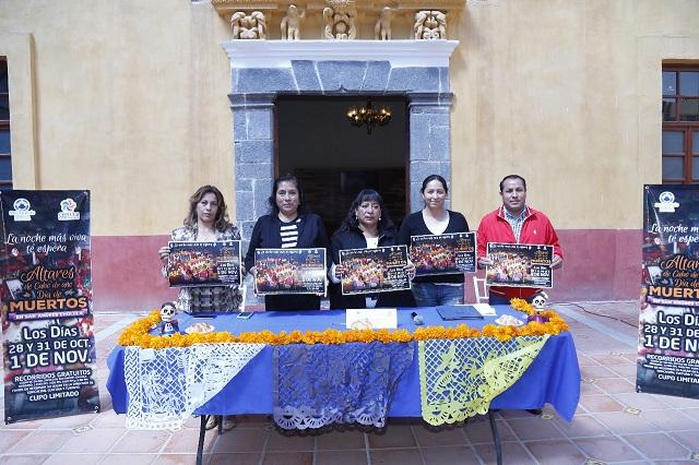 Recorren altares de Día de Muertos en San Andrés Cholula
