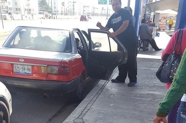 Retira la SIMT 36 taxis pirata en el Periférico y otras zonas