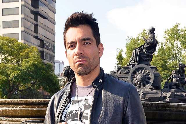 Omar Chaparro desmiente contrato con TV Azteca