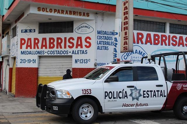Vapulean a policías estatales comerciantes de la 46 poniente
