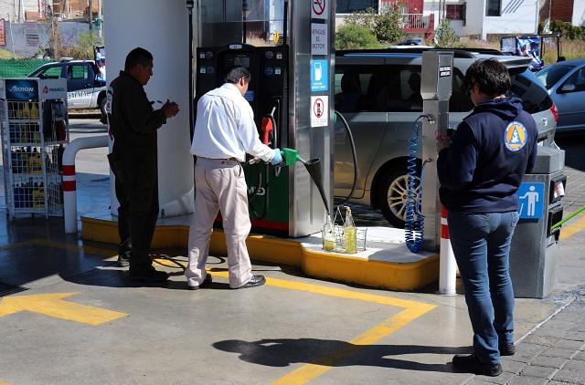 Revisan combustible Ejército y el SAT en gasolineras de Puebla