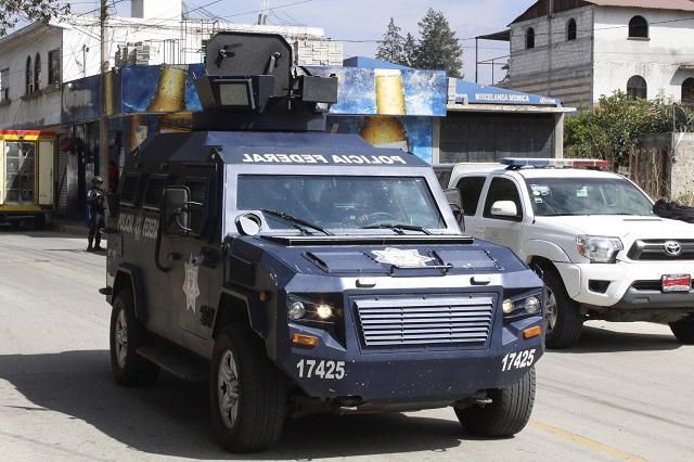 Escolta PF pipas con gasolina para Puebla, Pachuca y CDMX