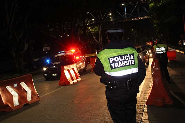 En operativo alcoholímetro remiten 28 autos al depósito vehicular