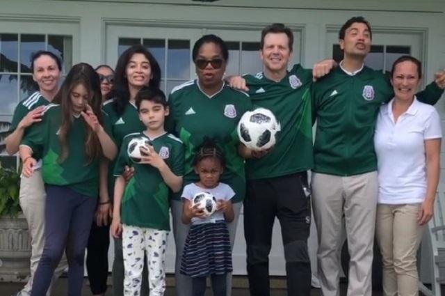 Oprah Winfrey se pone la verde y apoya a México en su partido contra Brasil