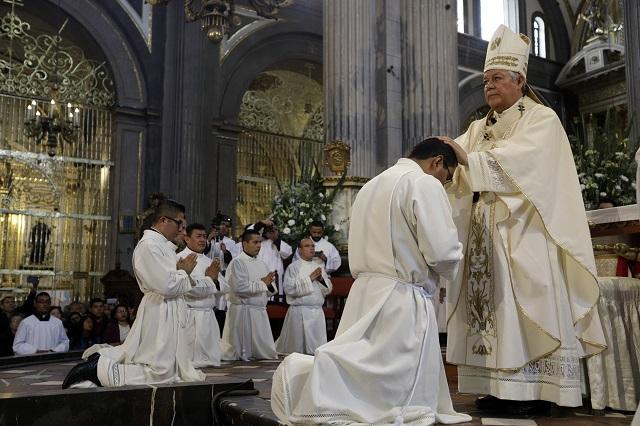 En ceremonia se ordenan un sacerdote y 9 diáconos en Catedral