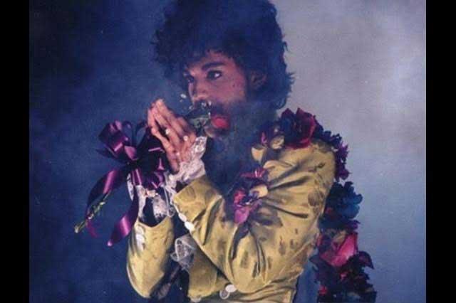 Prince pidió a sus seguidores que no gastaran en él sus oraciones aún