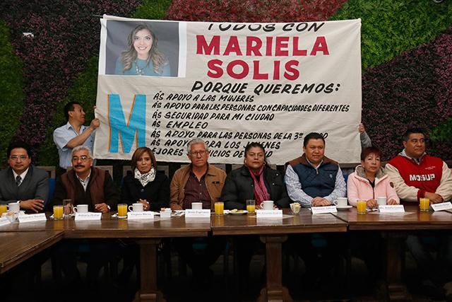 Líderes sindicales y de colonos destapan a candidata a diputada federal