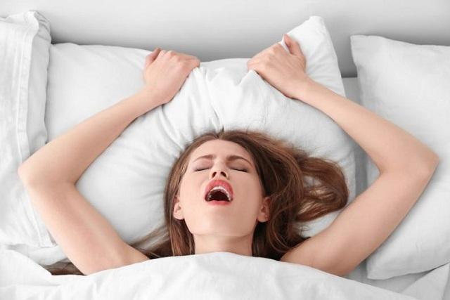 5 señales para identificar que ella está fingiendo un orgasmo