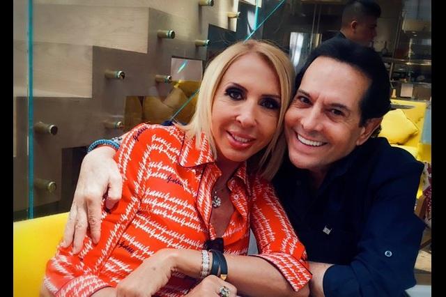 Origel comparte foto junto a Laura Bozzo y dicen que se burla de Flor Rubio
