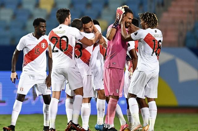 Santiago Ormeño debuta con Perú en victoria sobre Colombia