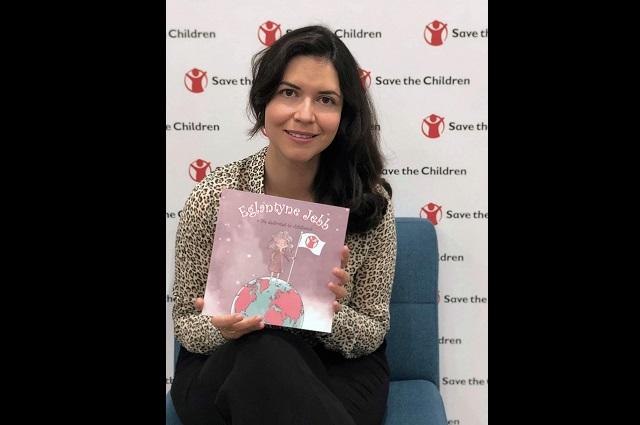 Escritora poblana presenta libro en Oxford