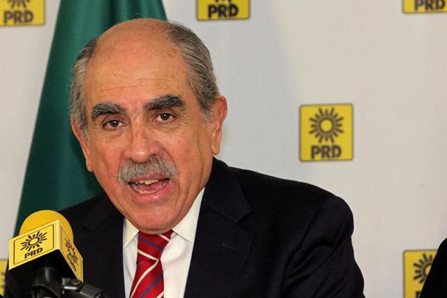 Pablo Gómez renuncia al PRD; se volvió una