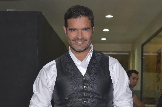 Pablo Montero admite que se besa en la boca con Mariana Seoane