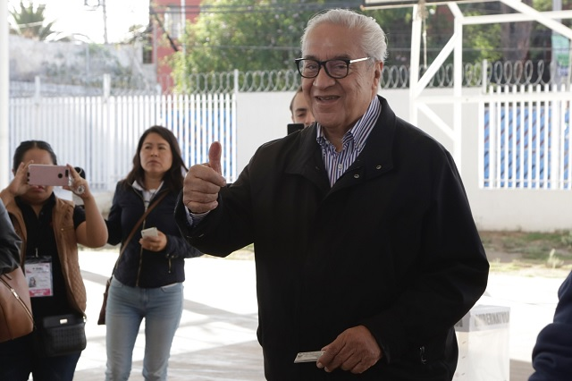 Mi voto es por la democracia, dice Pacheco Pulido