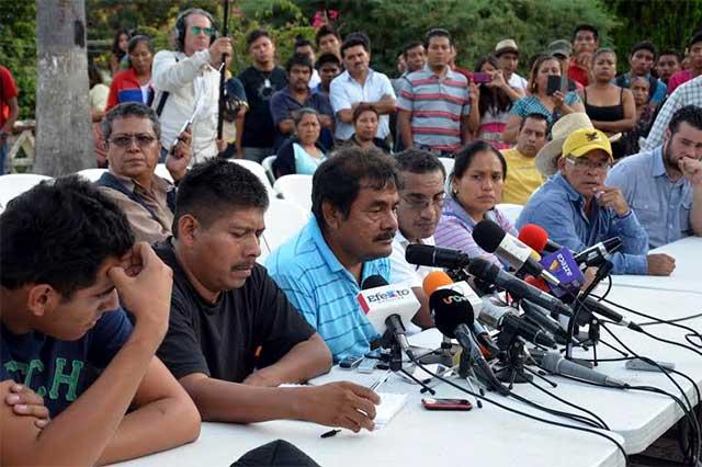 Acusan que padres de los 43 recibieron dinero de Guerreros Unidos