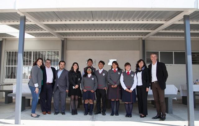 Apoya Volkswagen Financial Services a escuela de Almecatla
