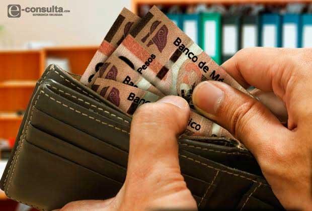 Reducen salario del gobernador de Puebla y baja 38% desde 2012