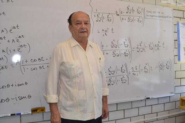 Alejandro Palma Almendra,  primer académico BUAP en nivel III del SNI