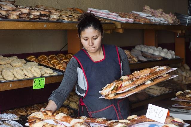 Panaderos diversifican productos para sortear baja económica
