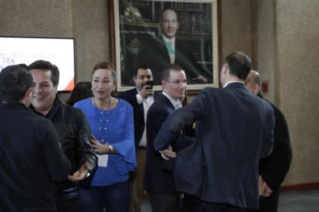 Consejeros de PAN aprueban coalición electoral con el PRD y MC
