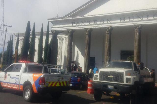 Por 10 de Mayo, operativo de seguridad en Panteón Municipal de Puebla