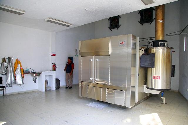 Brindan calidad y calidez humana servicios del Panteón Municipal