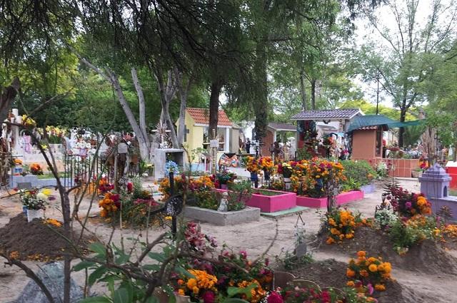 En Tehuacán capacitan a personal para recibir cuerpos con Covid-19