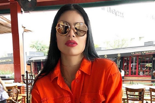 Hermana de Carlos Salcedo anuncia en topless que será mamá