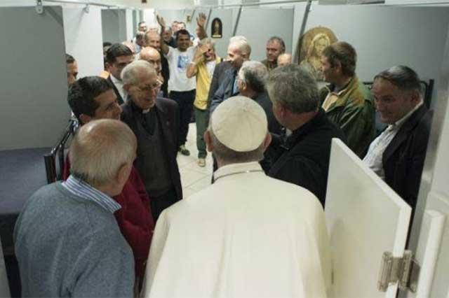 Instala el Papa una lavandería gratuita para los pobres de Roma