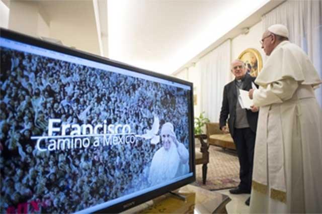 Camino a nuestro país, el Papa habla a los mexicanos