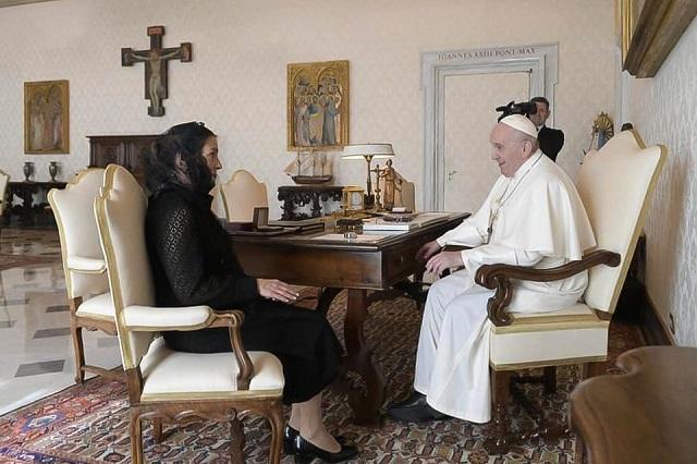 Pide AMLO al Papa reivindicar lucha de Hidalgo y Morelos