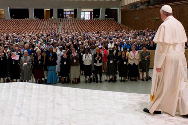 El Vaticano niega que el Papa vaya a concederles a las mujeres ser diáconos