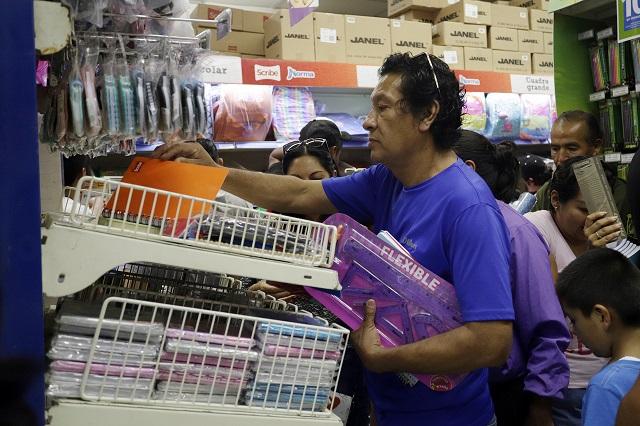 Sin clases presenciales, Canaco reporta pérdidas en papelerías