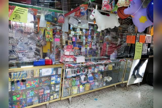 Caen 70% ventas en papelerías y negocios de mochilas en Huauchinango