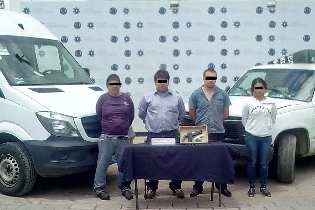 Detienen a cuatro sujetos por asalto a paquetería en Puebla