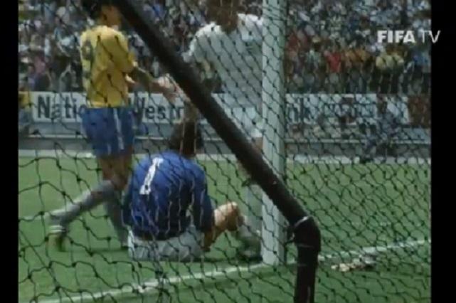 ¿Recuerdas la atajada del siglo de Gordon Banks a Pelé?