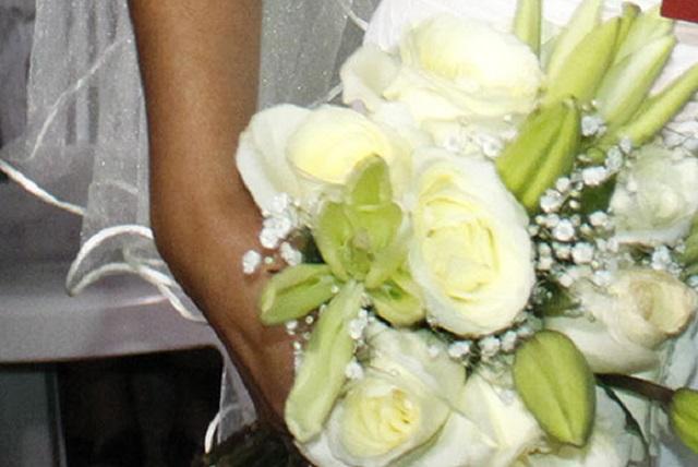 Pareja le cobra 4 mil 700 pesos a invitados que no fueron a su boda