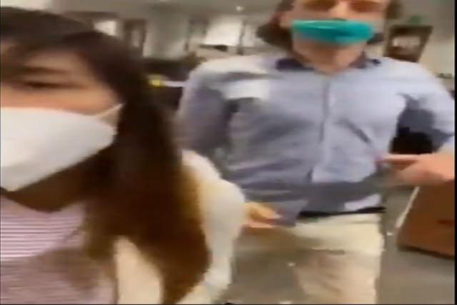 Video: Pareja se niega a usar cubrebocas correctamente y arma escándalo