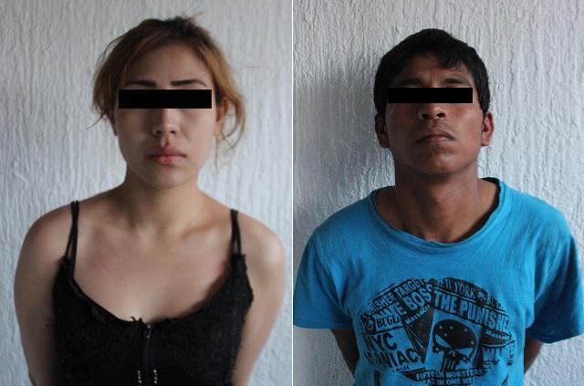Detienen a pareja con auto robado y armas, tras intensa persecución