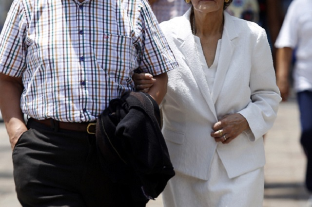 Ni el covid pudo separar a esta pareja de ancianos que tienen 65 años casados