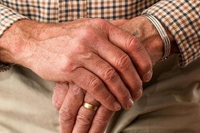 Trabajan en reprogramación celular para combatir Parkinson y esclerosis