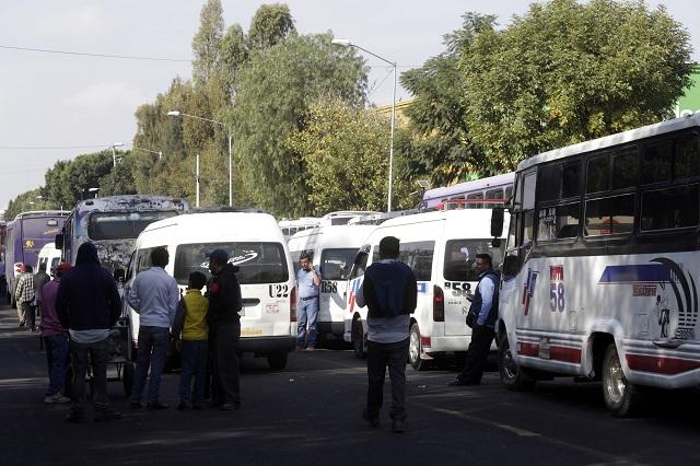 Exigen alza al pasaje y paran más de 10 rutas de transporte en Puebla