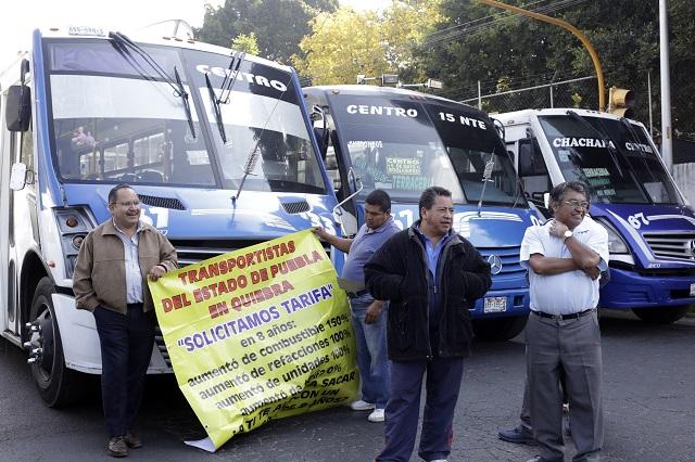 Desquician transportistas ahora el bulevar 5 de Mayo