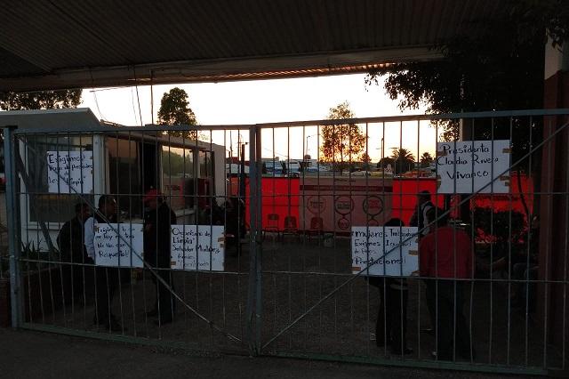 Empleados de limpia hacen paro y exigen bono en Puebla