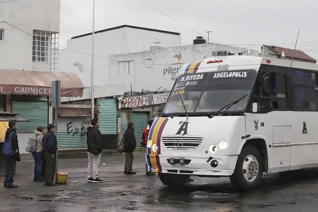 Buscan amparos transportistas de Puebla para elevar costo de pasaje