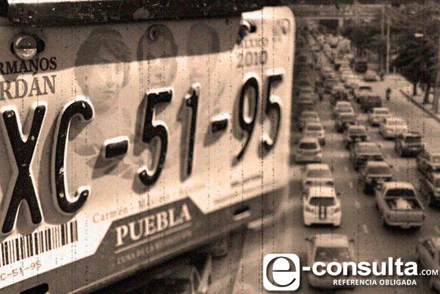 Con placas irregulares circulan 3 de cada 10 vehículos en Puebla