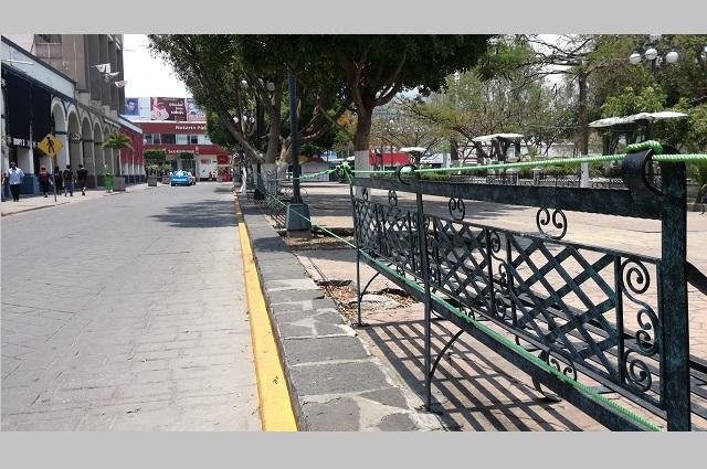 Roban cuerdas y lonas de seguridad en parques de Tehuacán