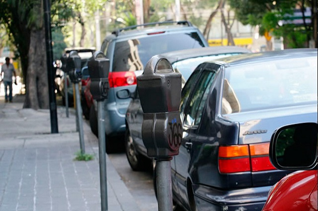 Quieren aprobar parquímetros para Puebla, acusan regidores del PRI